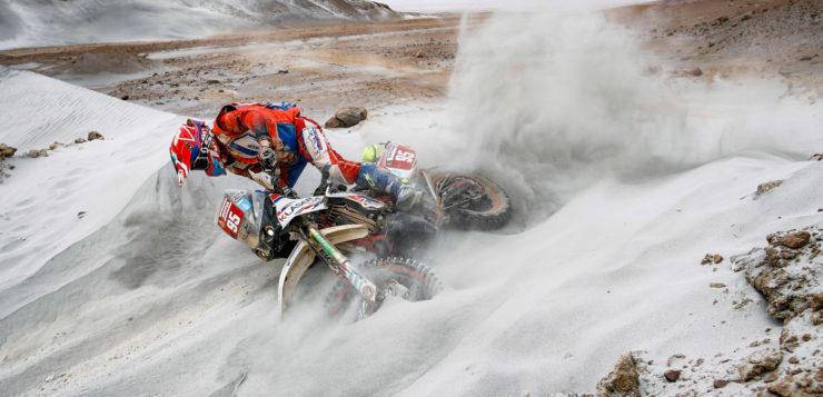 Impressionen von der 4. Etappe der Dakar Rallye 2019: Mirko Pavan (Italien) stürzte