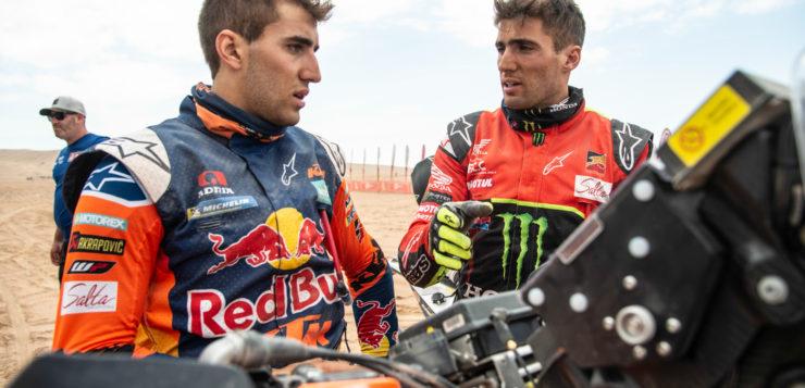 Benavides unter sich: Kevin mit Nr 47 (Honda) and mit der 77 Luciano (KTM)