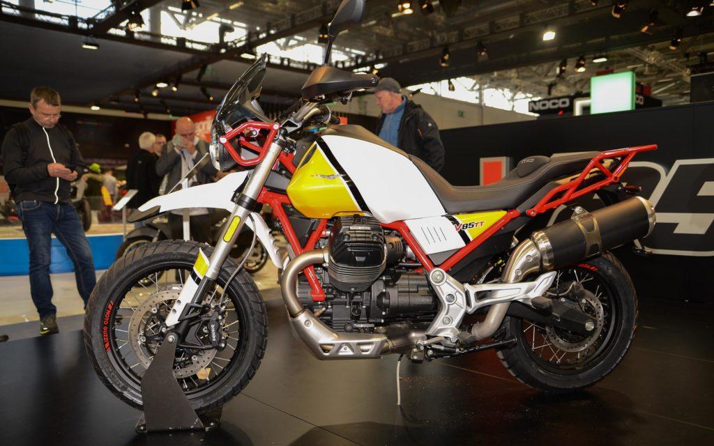 Die Moto Guzzi V85TT vereint klassische Komponenten mit moderner Technik