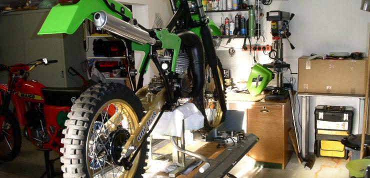 Kawasaki ERK KX 250 von hinten