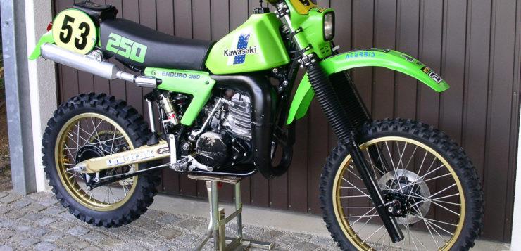 Diese Kawasaki KX 250 von 1982 wurde aufwendig restauriert