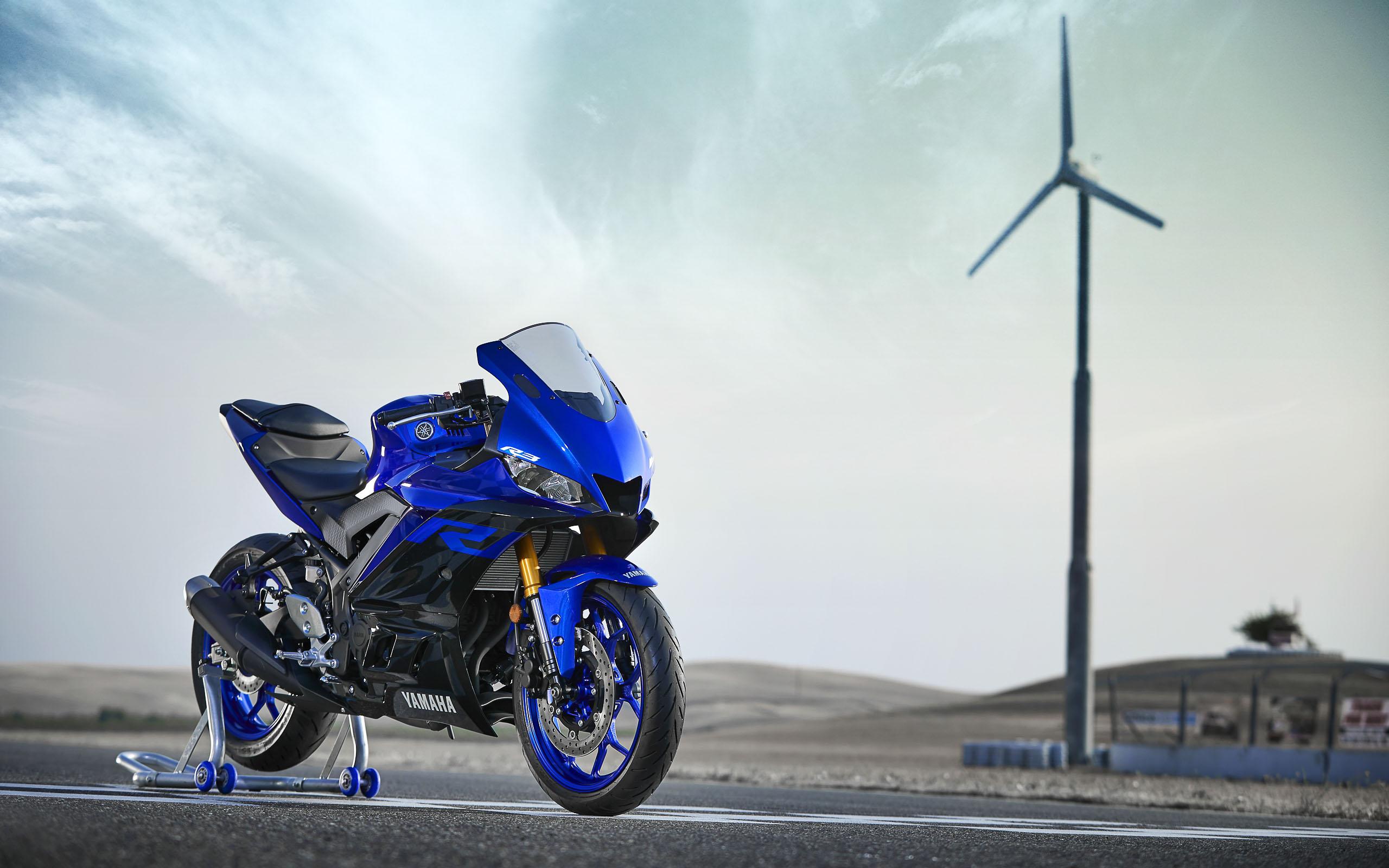 Die neue Yamaha YZF-R3, hier noch ohne störende Spiegel und Blinker