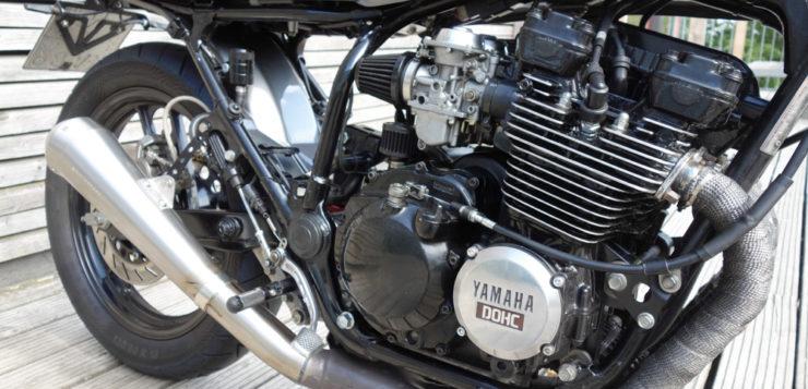 Der XJ-Motor wurde überholt, bekam neue Vergaserdüsen und K&N-Filter