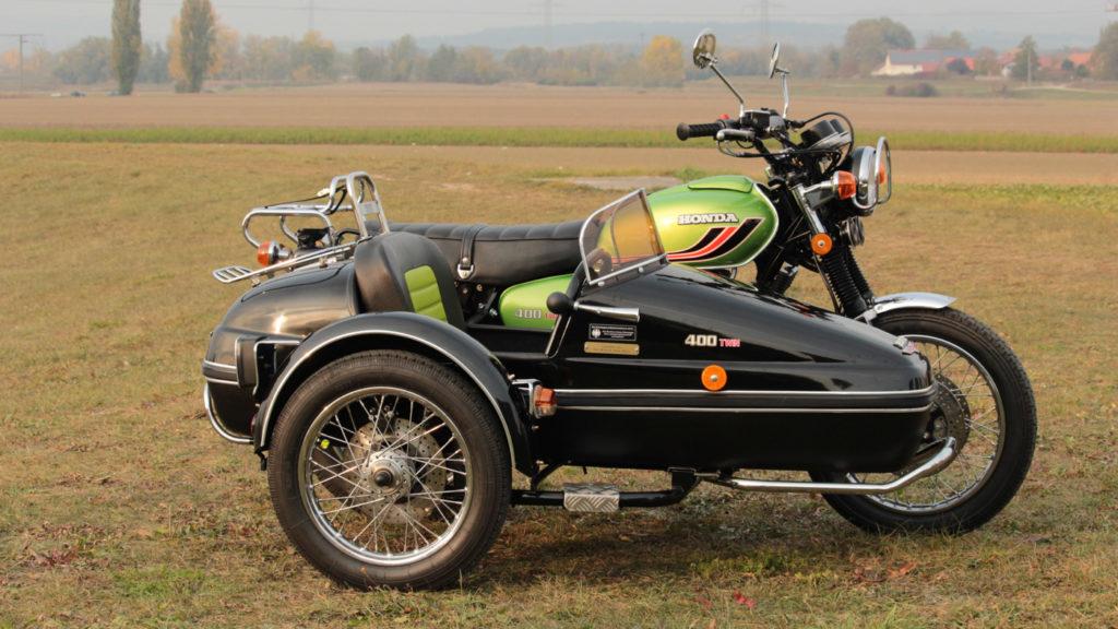 Das Honda CB 450 N Gespann bekam ein Velorex 562 Boot