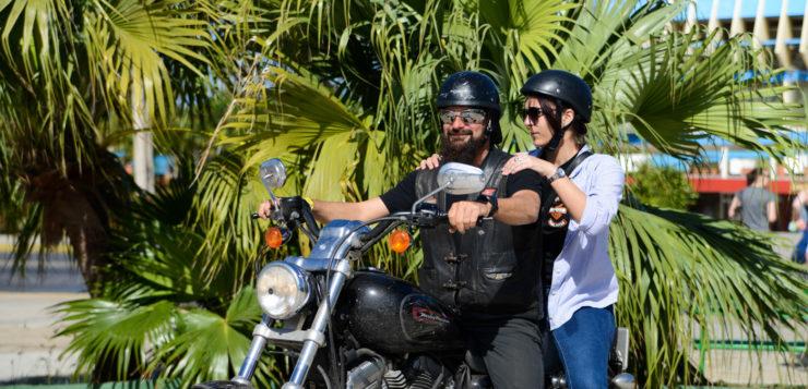 Luisito ist eine echte Frohnatur und arbeitet als Guide für Motorradtouren