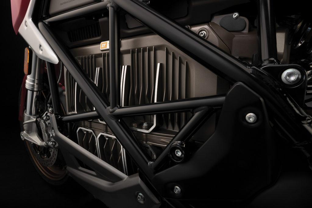 Wo sonst der Motor sitzt, hat die Zero SR/F einen leistungsstarken Akku