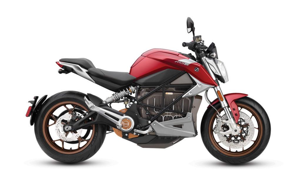 Die Zero SR/F wirkt wie ein klassisches Naked Bike ohne besondere Allüren