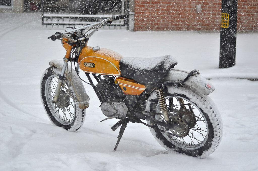 Yamaha CT1 im Schnee
