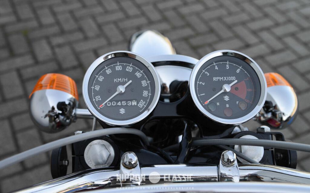 Suzuki-Enduro komplett mit Tachometer, Drehzahlmesser und Blinker