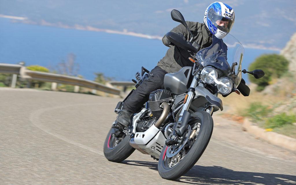 5000 Touren reichen der Moto Guzzi V85 TT im Alltag