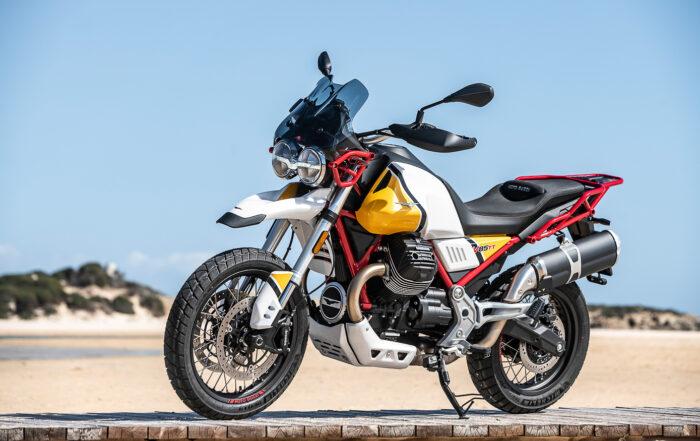 Die Moto Guzzi V85TT Gelb Sahara kostet 300 Euro mehr