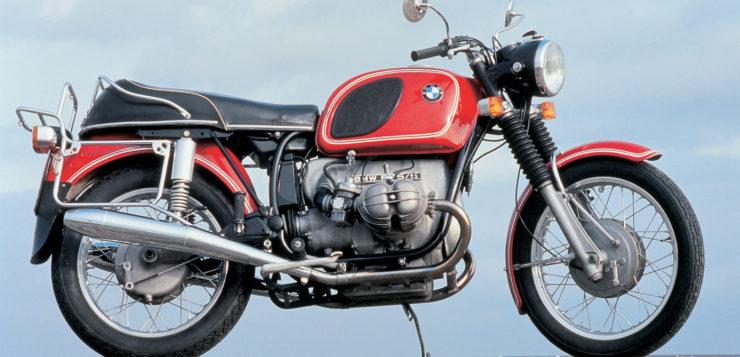 BMW R75/5 mit 17 PS weniger Leistung als die Honda CB 750 Four