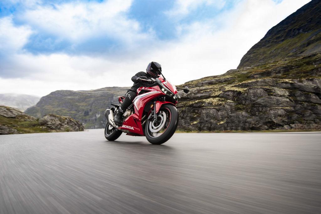 Weder Fahrwerk noch Ausstattung der Honda CBR500R lassen ernsthaft Kritik zu