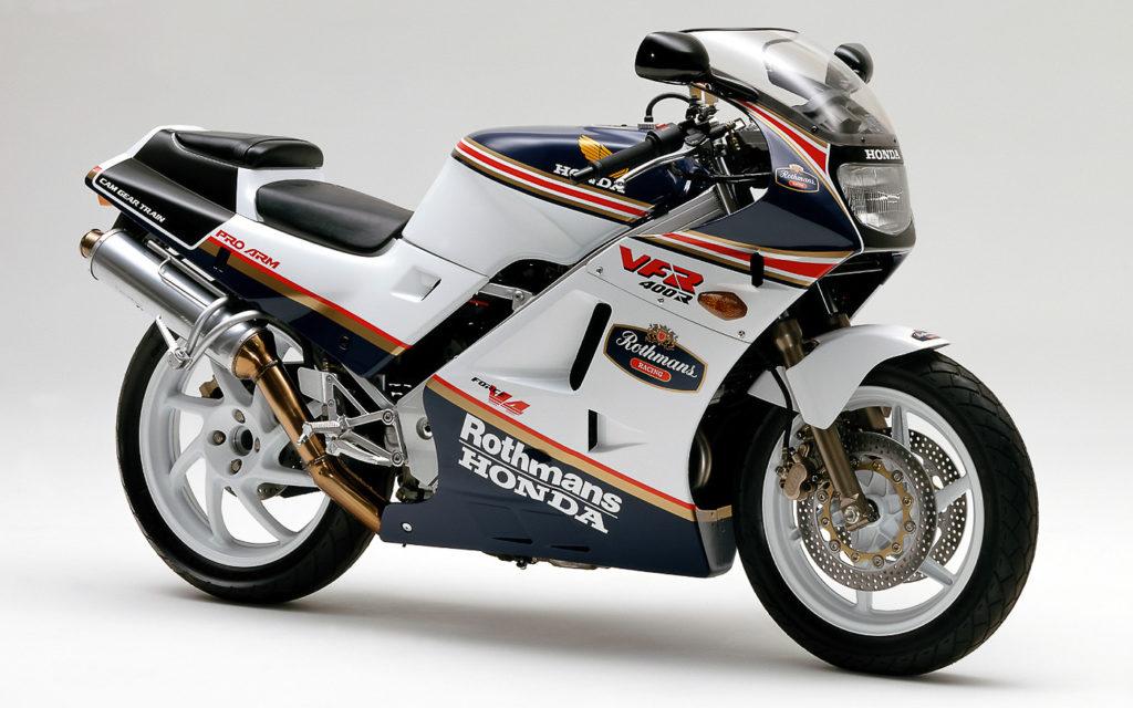 Die VFR400 R im begehrten Rothmans-Design