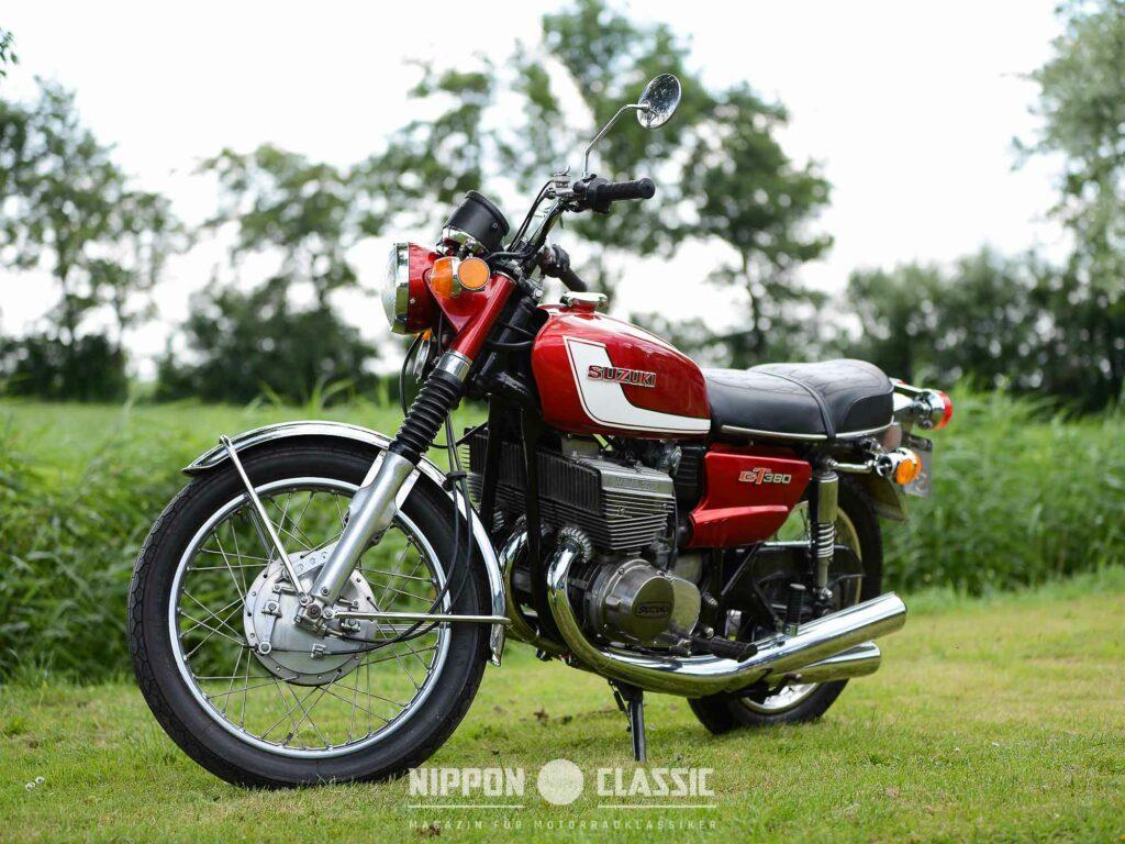 Suzuki GT 380 J von 1972 im Sammlerzustand