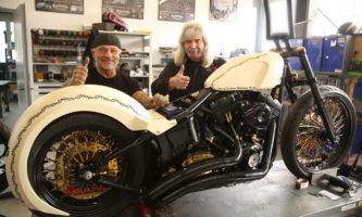 Christopg Repp und die Jesus Biker spenden eine Custom-Harley für einen guten Zweck