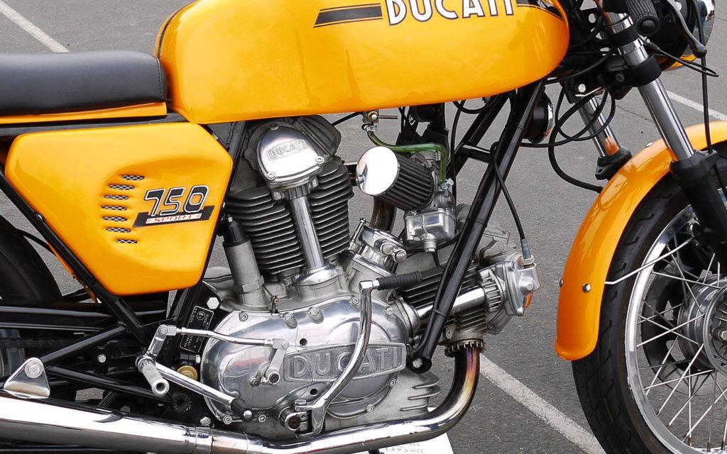 Der Motor der Ducati 750 S wartete mit einigen technischen Raffinessen auf