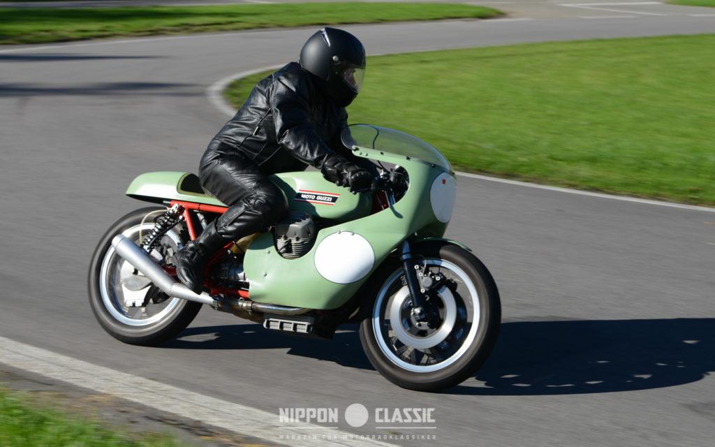 Die Moto Guzzi V7 kann auch sportlich