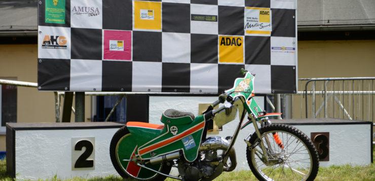 Der Nachwuchs fährt beim Speedway Team Wolfslake 30 PS starke 80er
