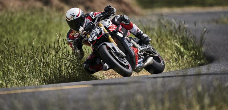 Mehrfach-Sieger Carlin Dunne erklimmt mit der Ducati Streetfighter V4 den Pikes Peak
