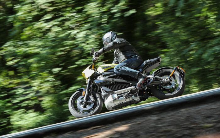 Die Harley-Davidson Livewire überzeugt mit Schräglagenfreiheit