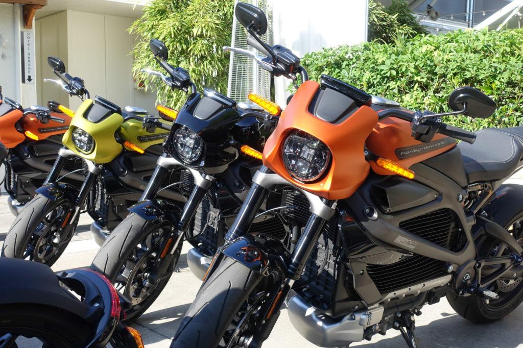 Das erste elektrisch angetriebene Motorrad von HD gibt es in drei Farben