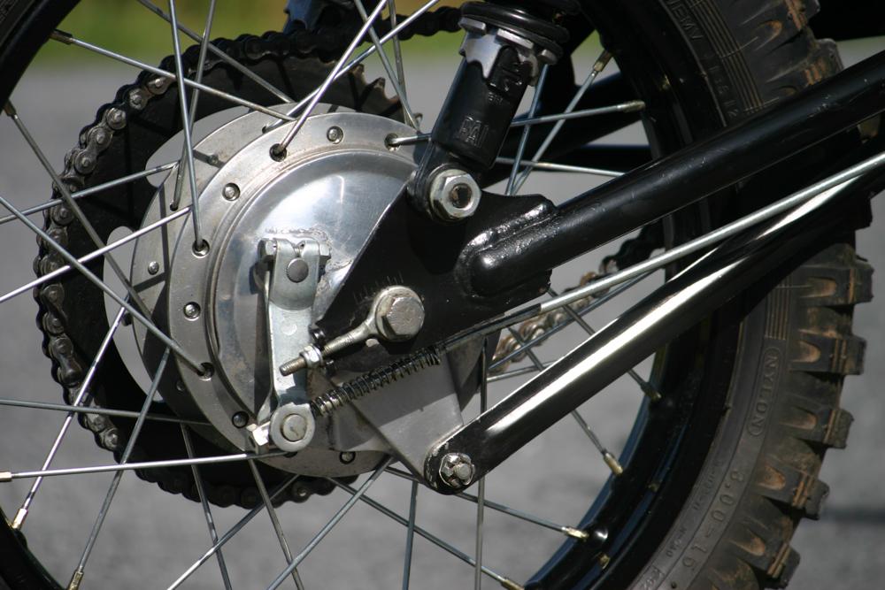 Fünf gebrochene Speichen am Hinterrad der GT50 mussten getauscht werden
