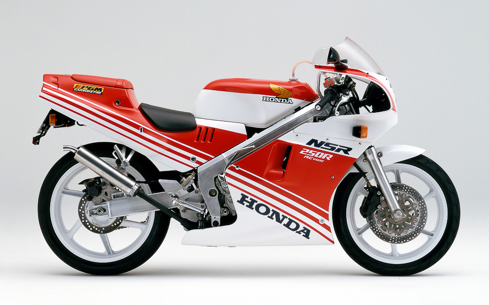 Die NSR 250R von 1987 unterscheidet sich optisch deutlich vom Vormodell