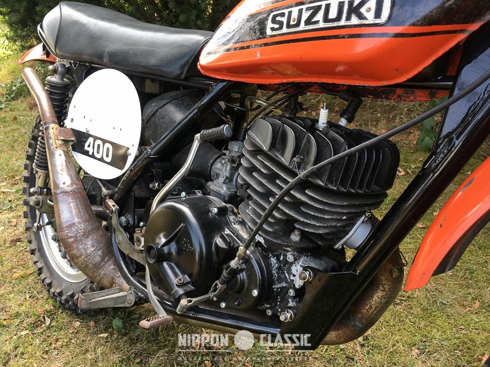 Der Motor der Suzuki TM 400 R war wegen seiner giftigen Leistungsentfaltung berüchtigt