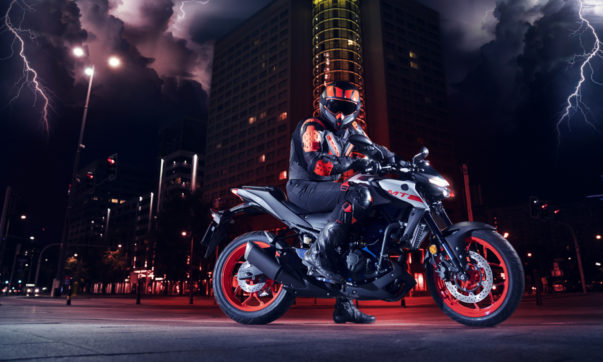 Yamaha MT-03 - The Dark Side of Japan