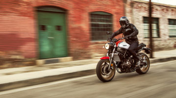 2020 bekommt die Yamaha XSR700 neue Farben im Look der 1980er