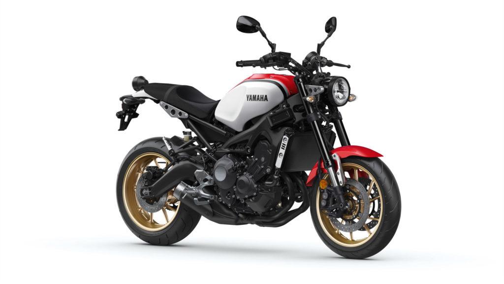 Yamaha XSR900 in Dynamic White für die Saison 2020