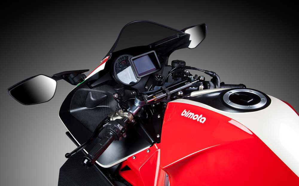 Blick ins Cockpit der 200 PS starken Bimota H2 Tesi