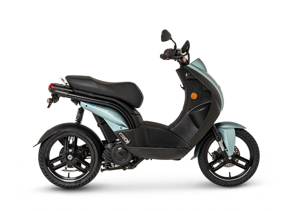 Der E-Scooter Peugeot e-Ludix ist in guter Gesellschaft auf der EICMA 2019
