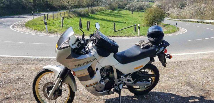 Honda Transalp im perfekten Revier