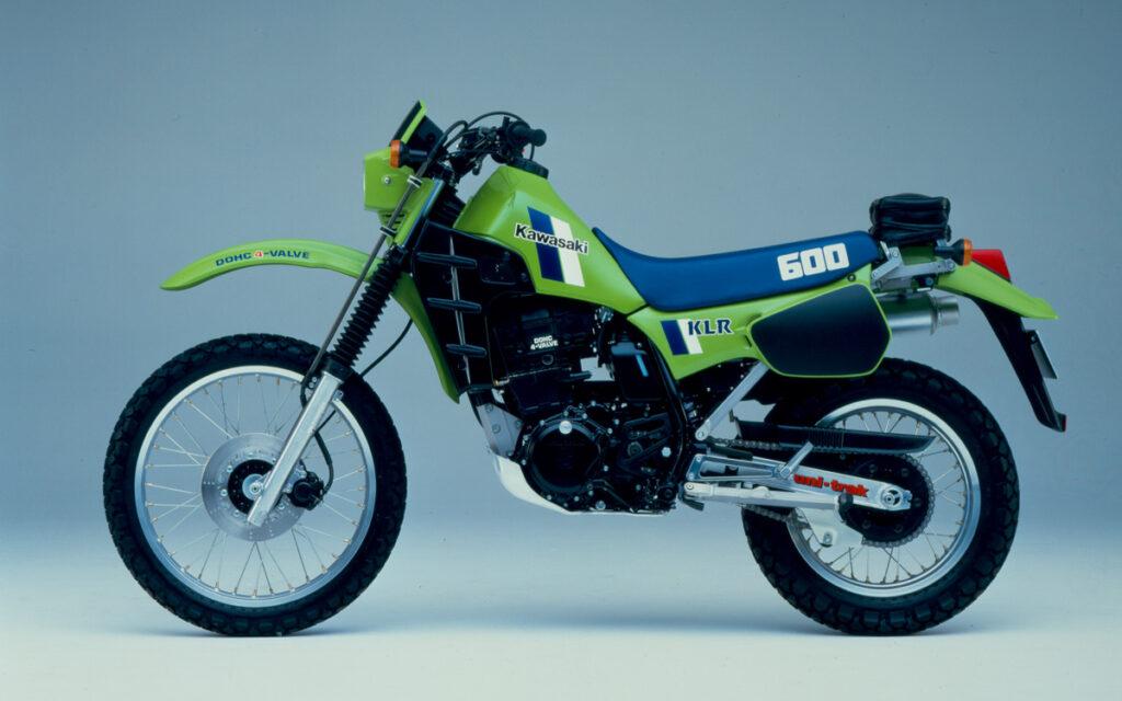 Der Motorradgemeinde stellte man 1984 die KLR 600 für 6.550,- DM als Kawasaki Antwort auf die Konkurrenz vor