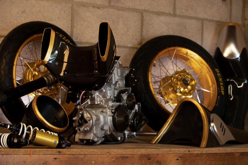 Viele Teile der 2-Stroke sind vergoldet