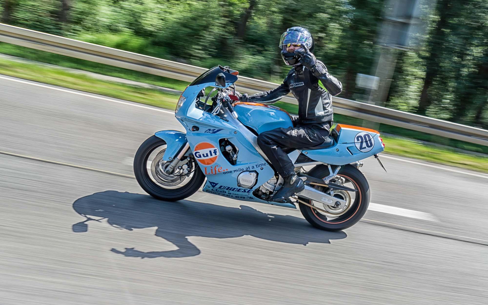 Yamaha FZR 600 Gulf-Design