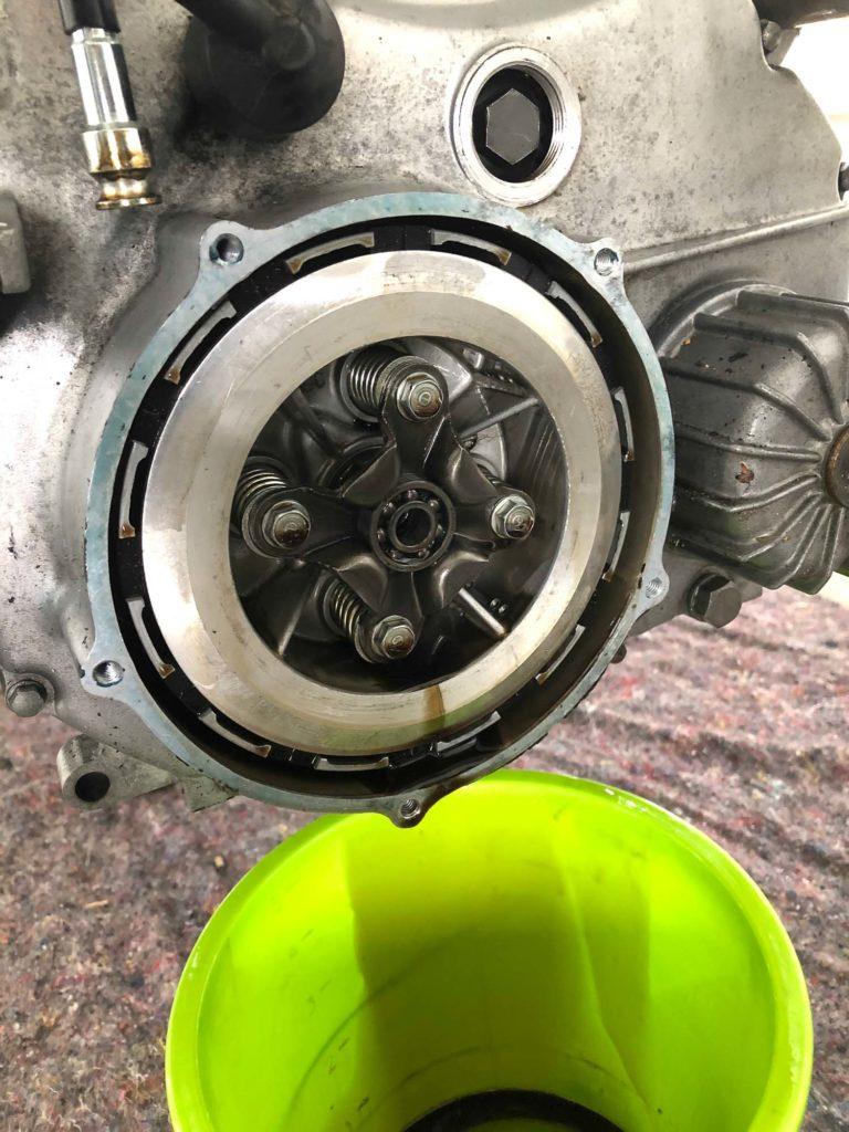 Die CX 500 erhielt stärkere Kupplungsfedern