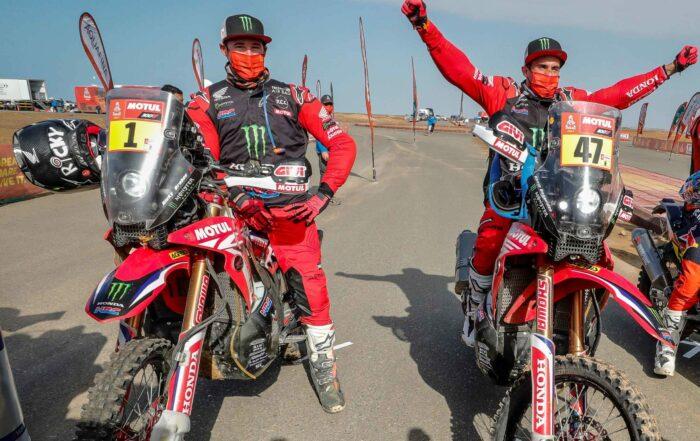 Kevin Benavides (rechts) gewinnt die Rallye Dakar 2021 vor Ricky Brabec