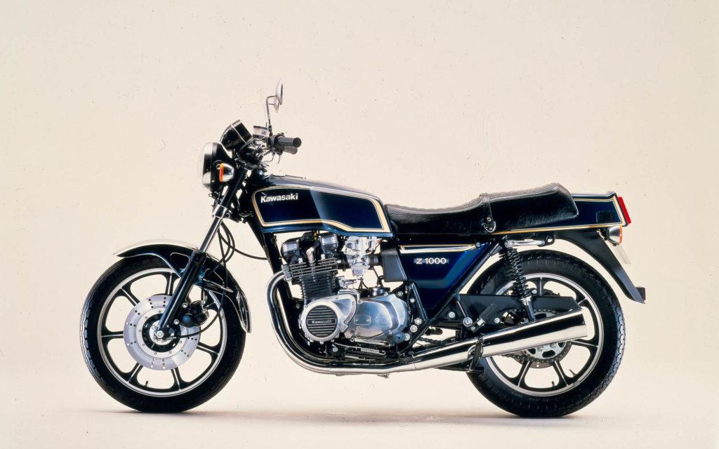 Die Kawasaki Z1000 MKII in Blau-Metallic