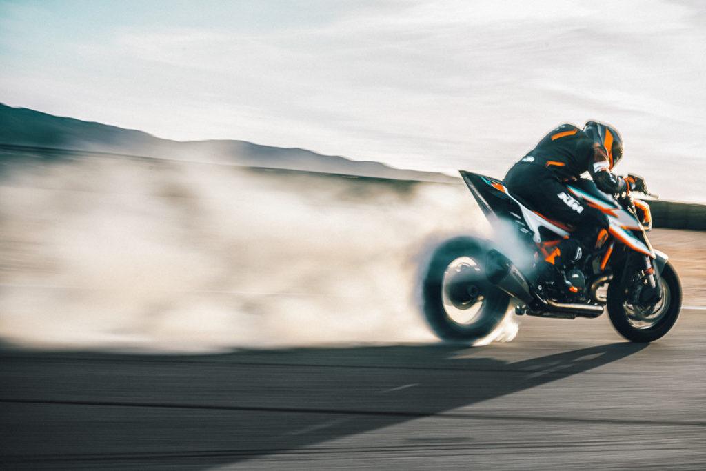 Die KTM 1290 Super Duke RR bietet fünf Fahrmodi