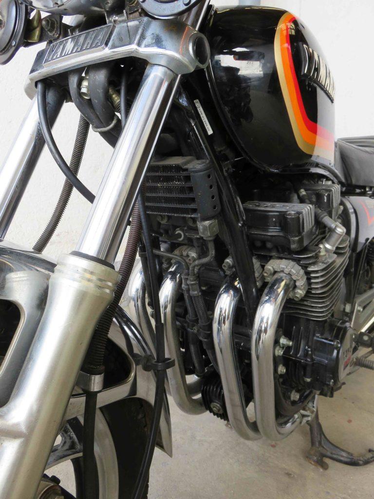Gut zu erkennen: der Ölkühler der Yamaha XJ 550