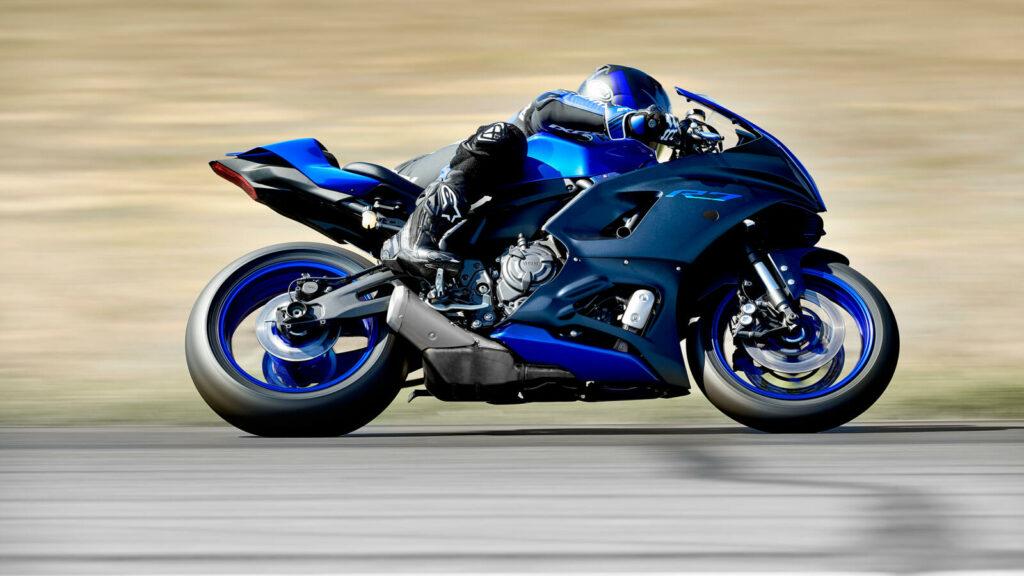 Die Yamaha YZF R7 teilt sich das CP2-Triebwerk anderer Yamaha-Modelle