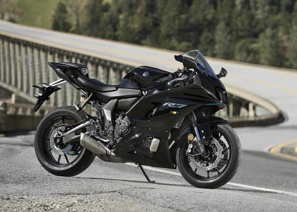 Die Yamaha R7 (Modelljahr 2022) ist der jüngste Spross in der R-Serie