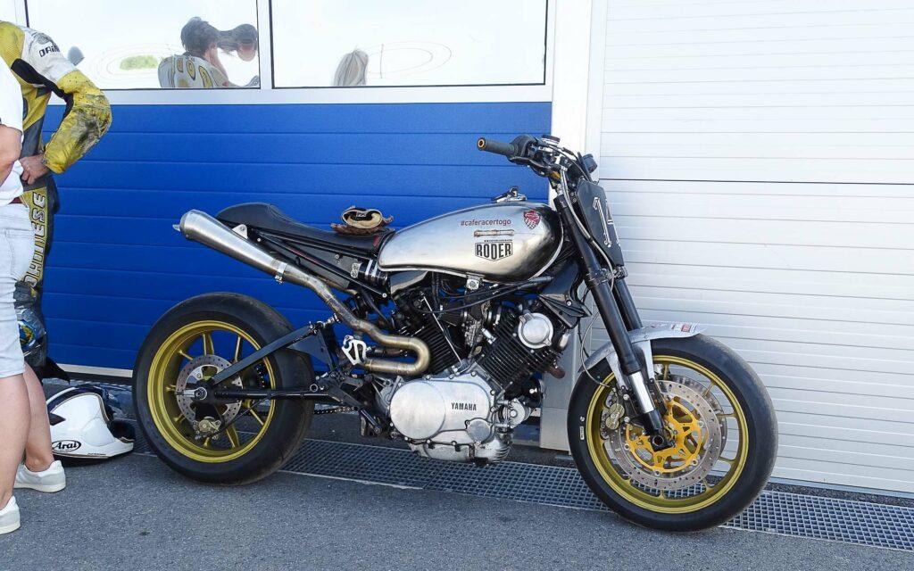 Yamaha TR1 umgebaut für die Rennstrecke