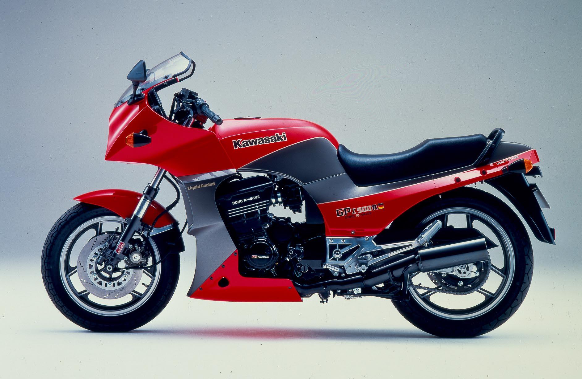 KAWASAKI GPZ 900R (1984-1994)