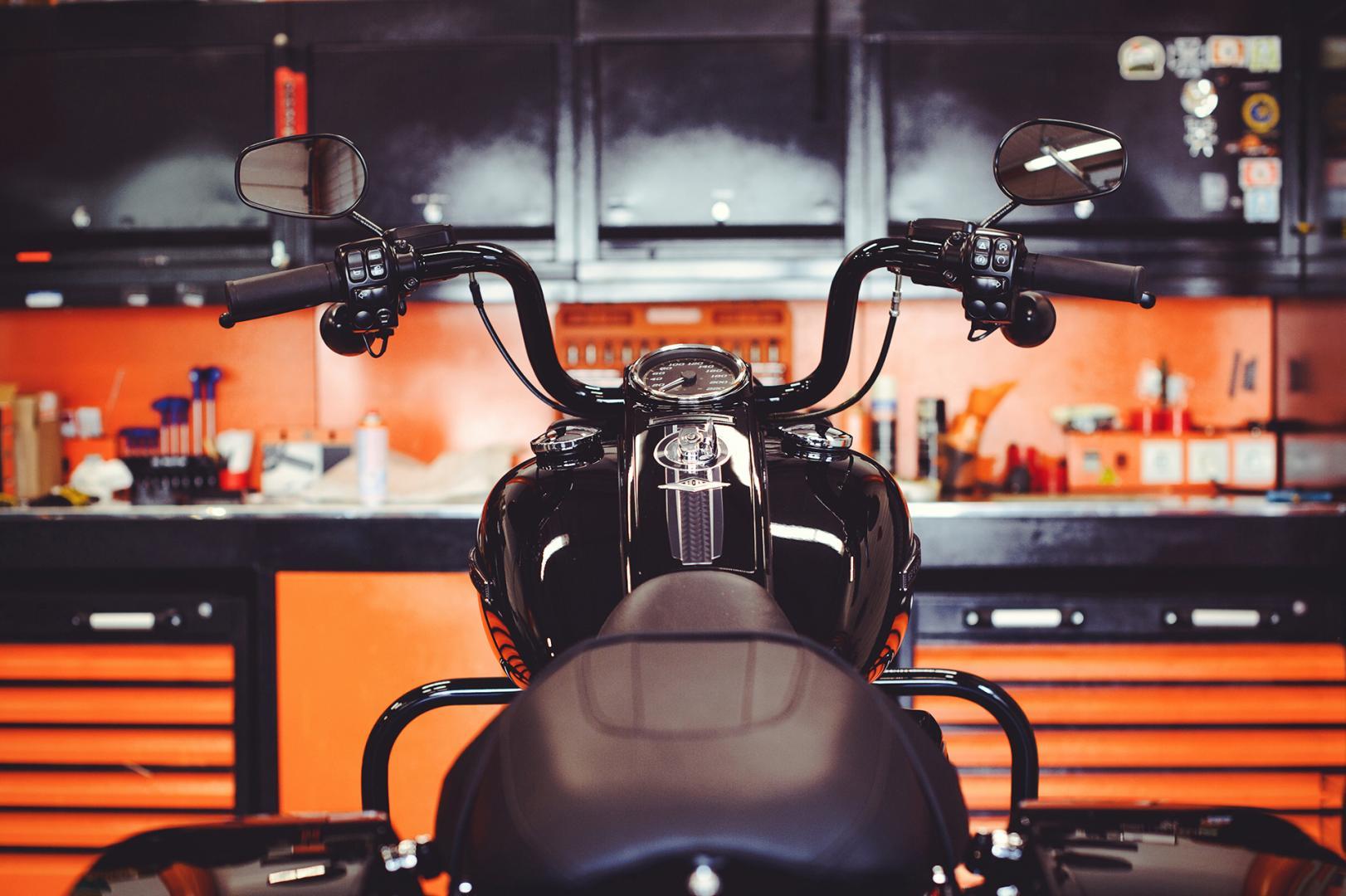Selber schrauben in der eigenen, privaten Motorradwerkstatt.