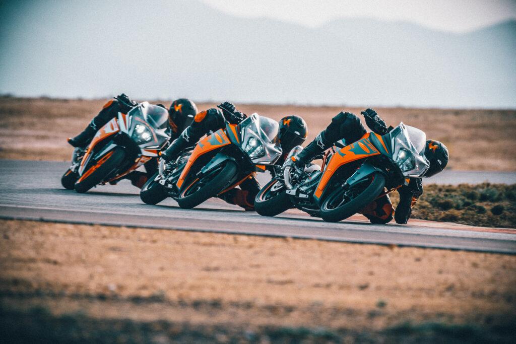 KTM RC 390 und KTM RC 125 starten frisch überarbeitet ins Modelljahr 2022