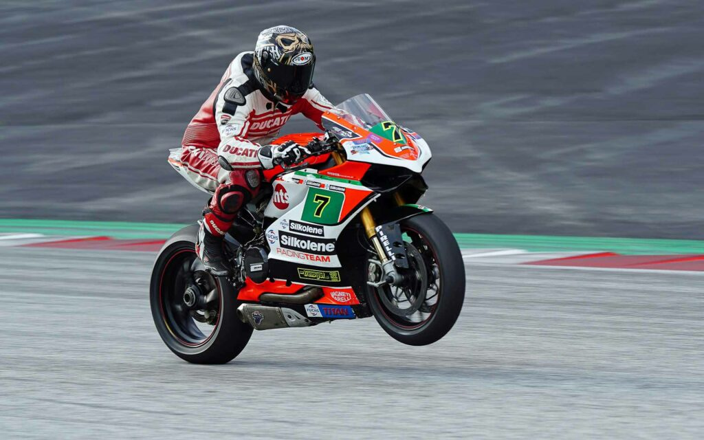 Superbike-Pilot Markus Kollenz (7) auf einer Ducati Panigale